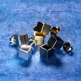 Kubörhängen 6 mm oxiderat silver