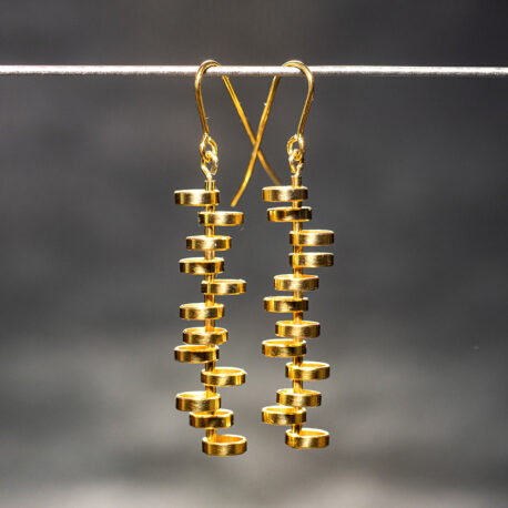http://www.ejve.se/produkt/bubbles-gilt-earrings/